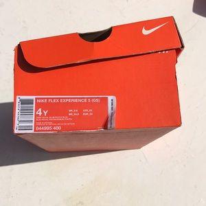 Nike Flex size 4YW sneakers NWB